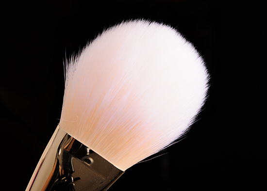 Real Techniques #100 Arched Powder Brush