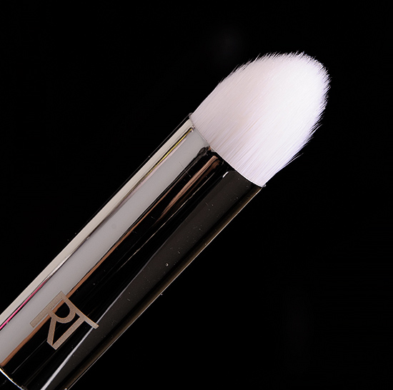 Real Techniques #201 Pointed Crease Brush