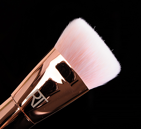 Real Techniques #301 Flat Contour Brush