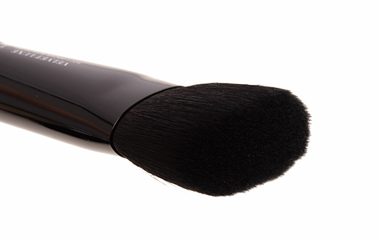 IT Cosmetics No. 315 Soft Focus Sculpting Velvet Luxe Brush