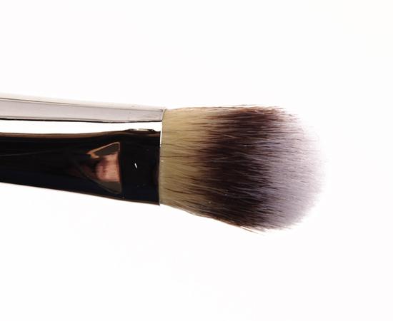 IT Cosmetics No-Tug Dual Airbrush Eyeshadow Brush