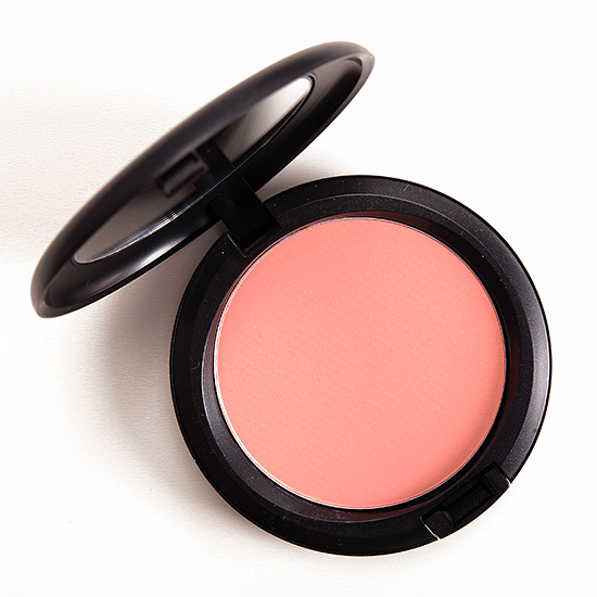 MAC Alpha Girl Beauty Powder
