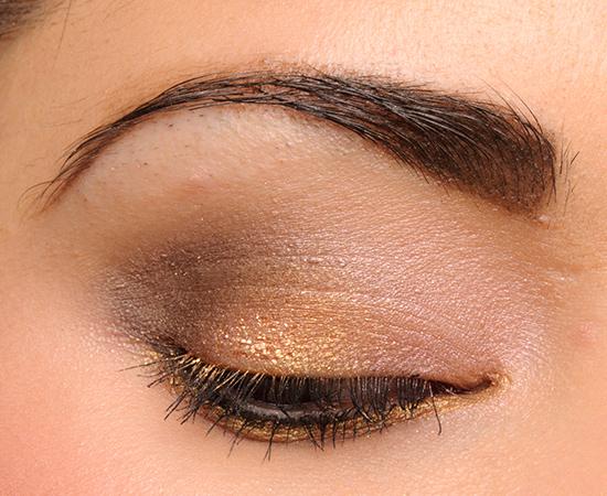MAC Bouffant Eyeshadow