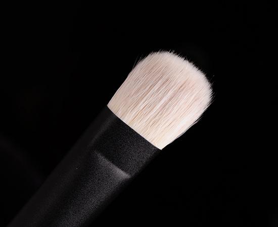 Hakuhodo x Sephora PRO Angled Concealer Brush (Kusuriyubi)