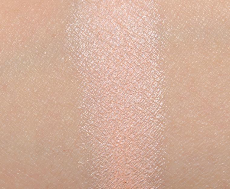MAC Fabulous DNA Eyeshadow
