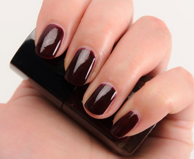 Chanel Rouge Noir (18) Le Vernis