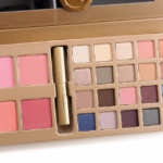 Stila A Whole Lot of Love Holiday 2015 A Whole Lot of Love Gift Set