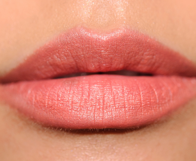 MAC Frolic Velvetease Lip Pencil