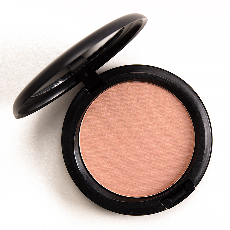 MAC Pearl Sunshine Beauty Powder