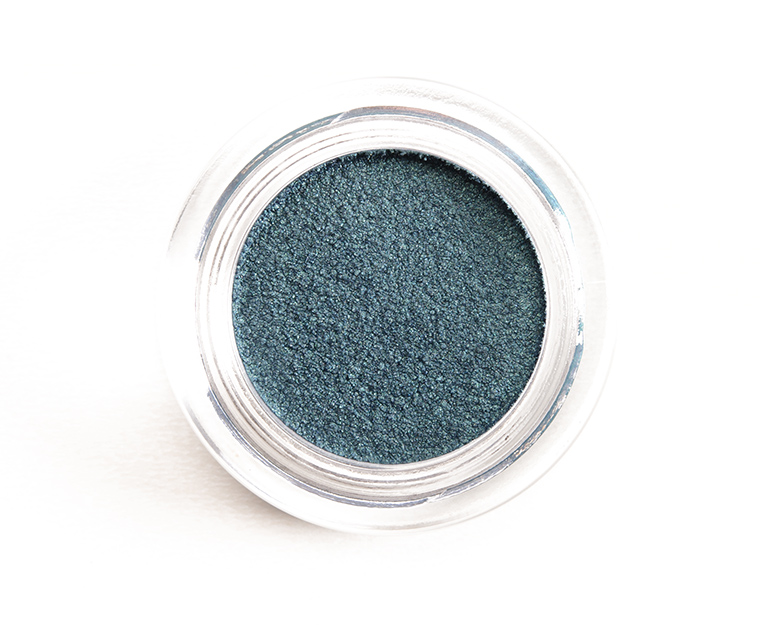 Chanel Griffith Green (126) Illusion d\'Ombre Long Wear Luminous Eyeshadow