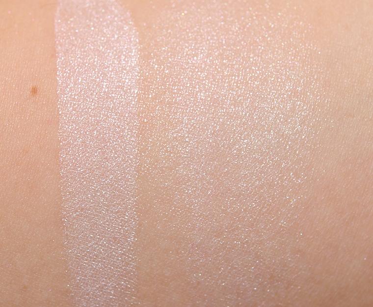 Chanel Perles et Fantaisies Illuminating Powder