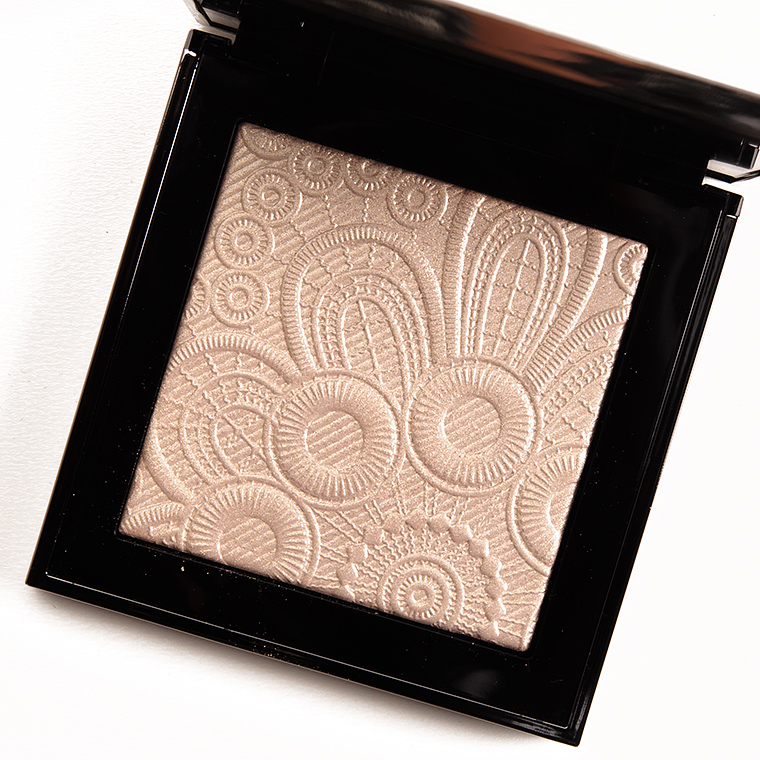 Burberry No. 02 Nude Gold Spring/Summer 2016 Runway Highlighting Palette
