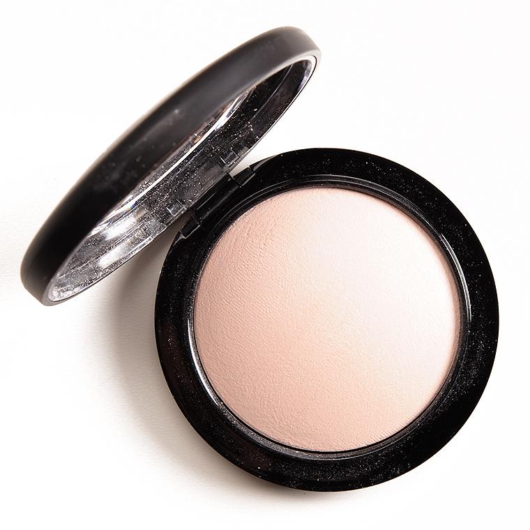 Iluminator MAC Mineralize Skinfinish Powder