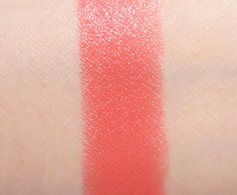 Très MAC Vegas Volt Lipstick Review & Swatches HX91