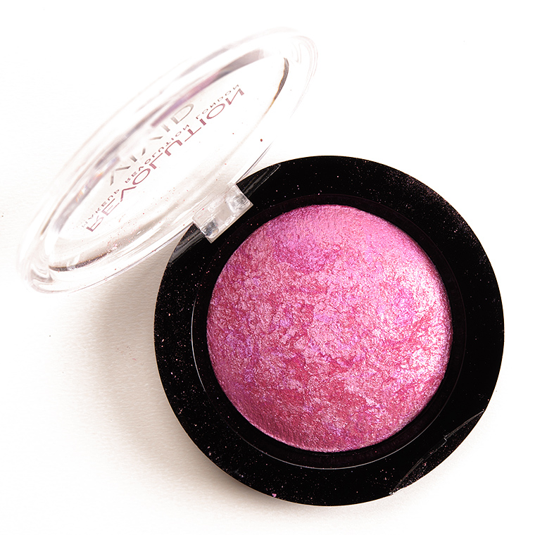 Makeup Revolution One for Playing Games Baked Blusher