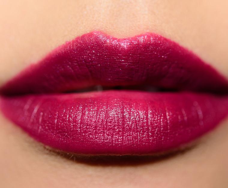 Charlotte Tilbury Hel's Bells Lipstick