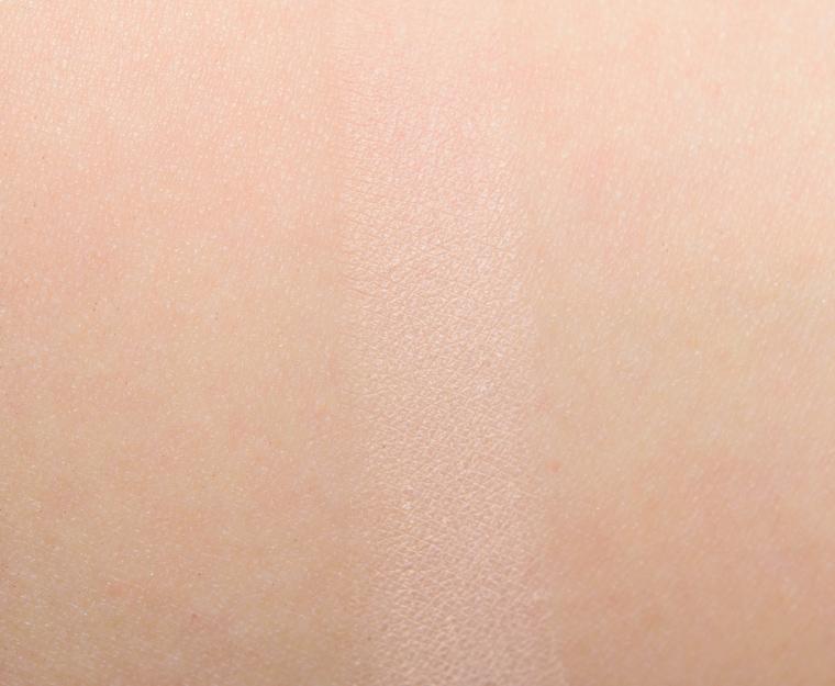 MAC Drawing a Blanc Eyeshadow