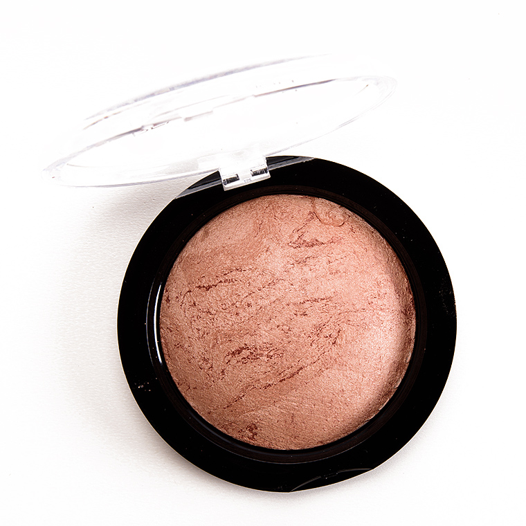 Makeup Revolution Ready to Go Vivid Baked Bronzer Powder
