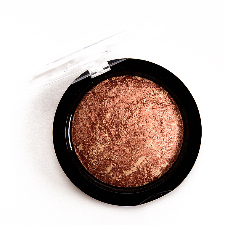 Makeup Revolution Rock on World Vivid Baked Bronzer Powder