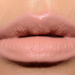 Burberry Light Nude (01) Liquid Lip Velvet