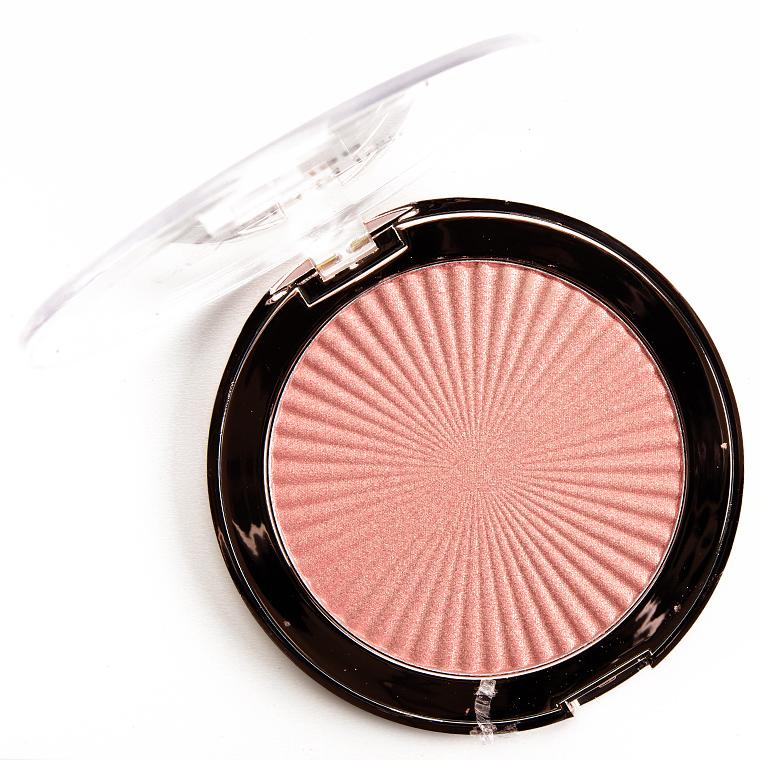 Makeup Revolution Peach Kiss Skin Kiss