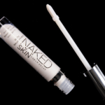 Urban Decay Luminous Naked Skin Highlighting Fluid