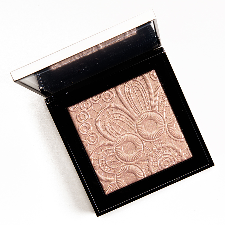 Burberry No. 04 Rose Gold Fresh Glow Highlighter