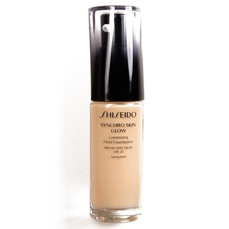 Shiseido Golden 2 Synchro Skin Glow Luminizing Liquid Foundation SPF 20
