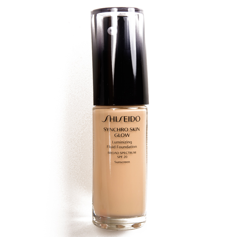 Shiseido Golden 3 Synchro Skin Glow Luminizing Liquid Foundation SPF 20