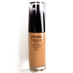 Shiseido Golden 5 Synchro Skin Glow Luminizing Liquid Foundation SPF 20
