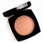 Chanel Medium Light Les Beiges Healthy Glow Luminous Colour