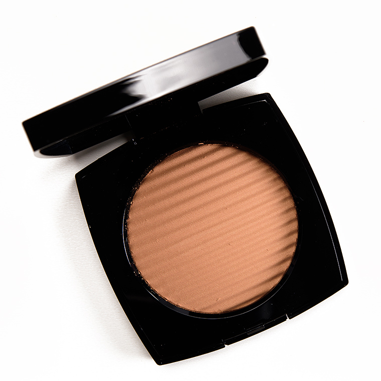Chanel Medium Les Beiges Healthy Glow Luminous Colour