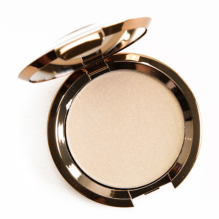 Becca Pearl Flashes Gold Light Chaser Highlighter