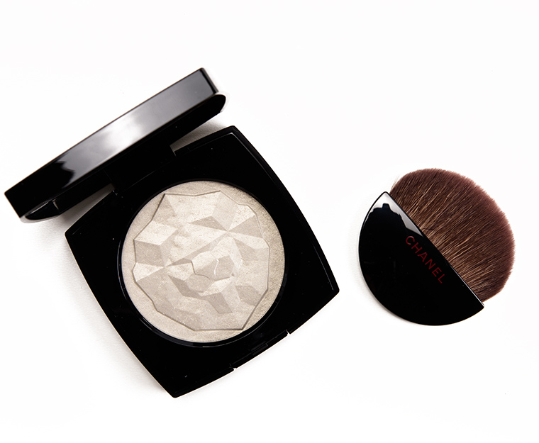 Chanel Or Blanc Le Signe du Lion Illuminating Highlighter