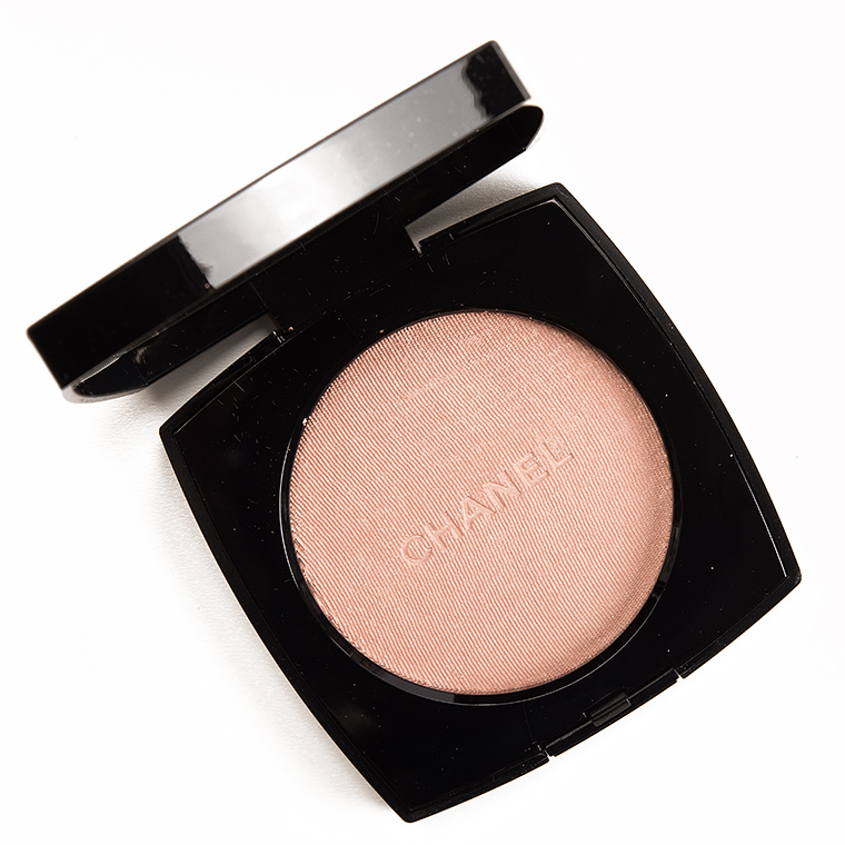 Chanel Rosy Gold (30) Highlighting Powder