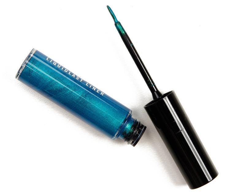 MAC Blue Me Over Liquidlast Liner