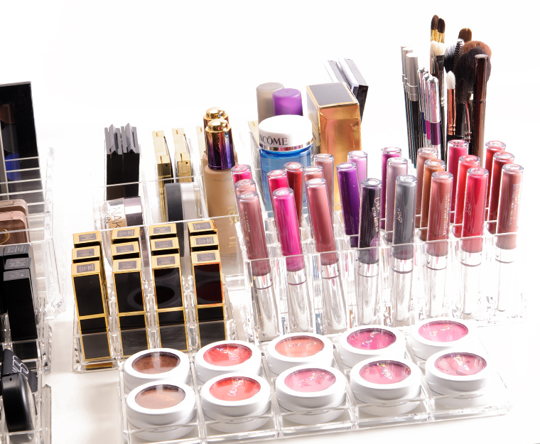 c25d344dbdb What would your dream makeup space vanity look like
