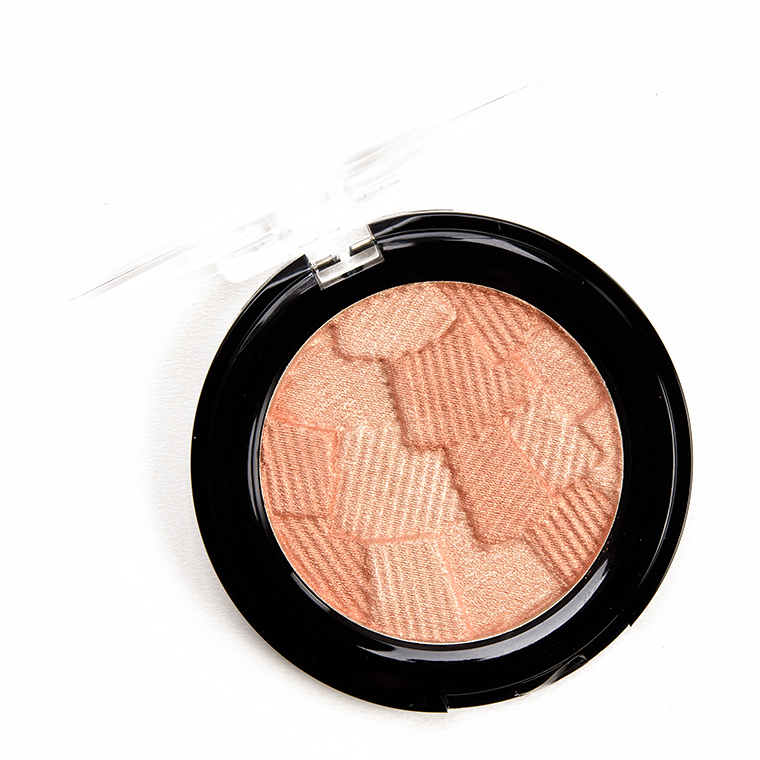 Catrice Warm Embrace 3D Glow Highlighter