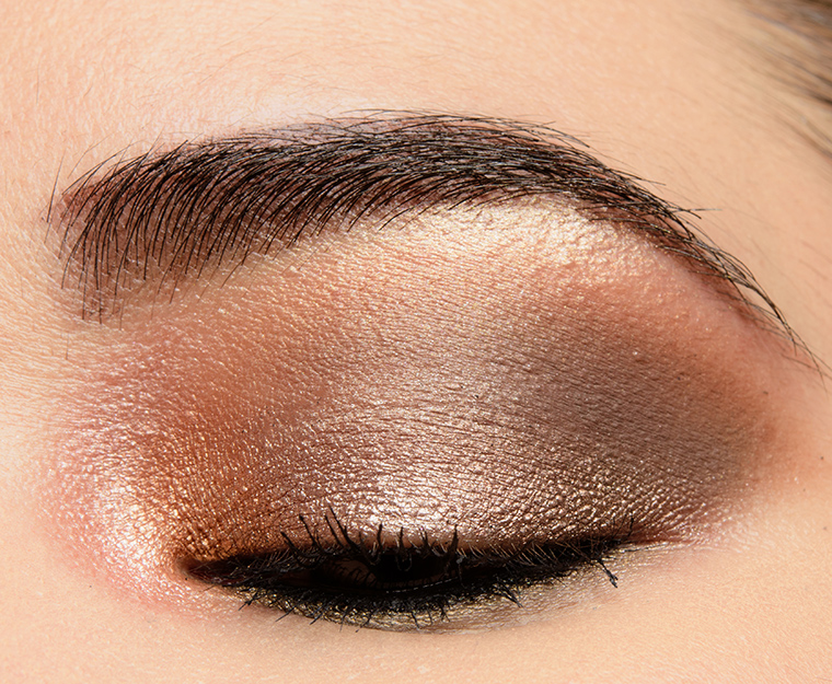 How to Apply Cream Eyeshadow