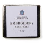 Clionadh Embroidery Hybrid Multichrome Eyeshadow