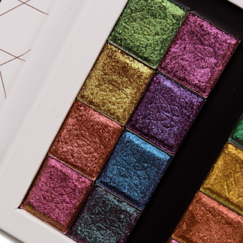 Clionadh Hybrid & Vibrant Multichrome Eyeshadow Swatches (x16)