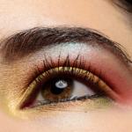 Clionadh Throne Vibrant Multichrome Eyeshadow