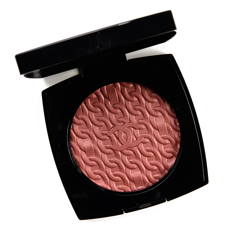 Chanel Les Chaines de Chanel Illuminating Blush Powder Review & Swatches