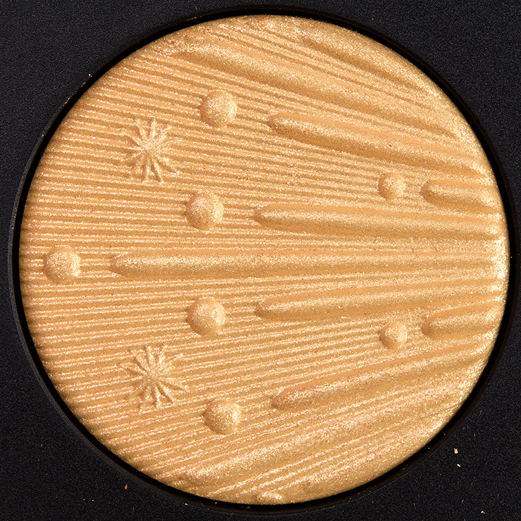 MAC Gold Me Closer Extra Dimension Skinfinish