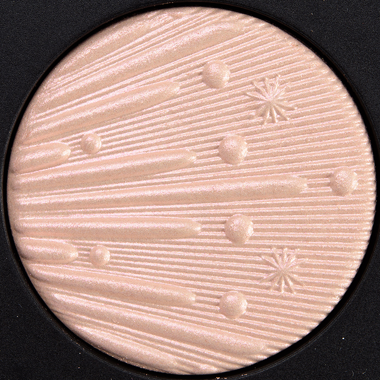 MAC Out on the Tinseltown Extra Dimension Skinfinish