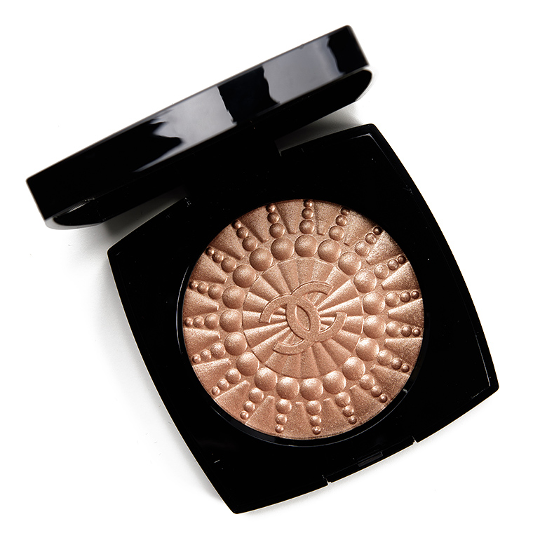 Chanel Perles de Lumiere Illuminating Blush Powder