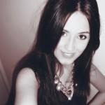 Profile picture of Makeup artist Tina